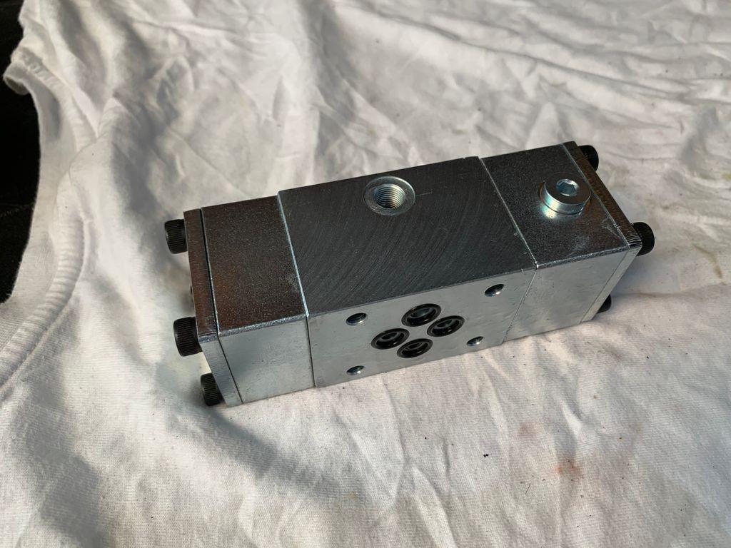 Pilot direction valve - type B