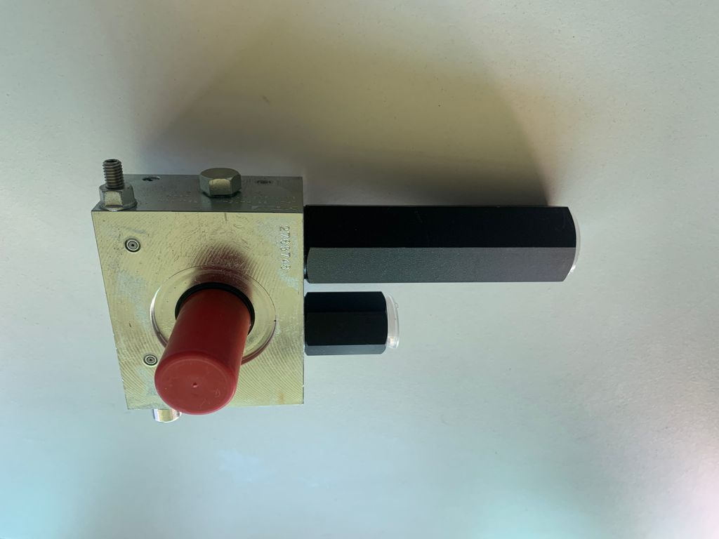 Boom cylinder check valve