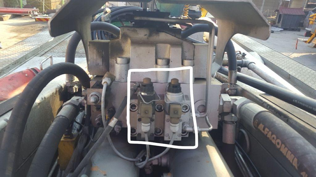 Pumping solenoid valve assemble